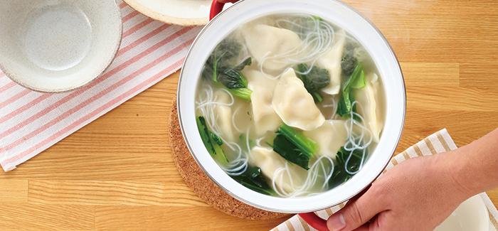 水 餃子 スープ